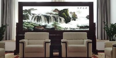 会客厅屏风:手工双面绣屏风让会议室更上档次