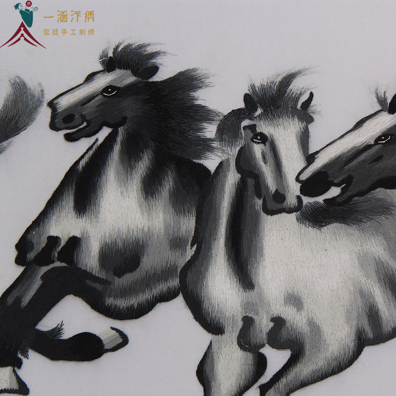 客厅挂画 刺绣马细节