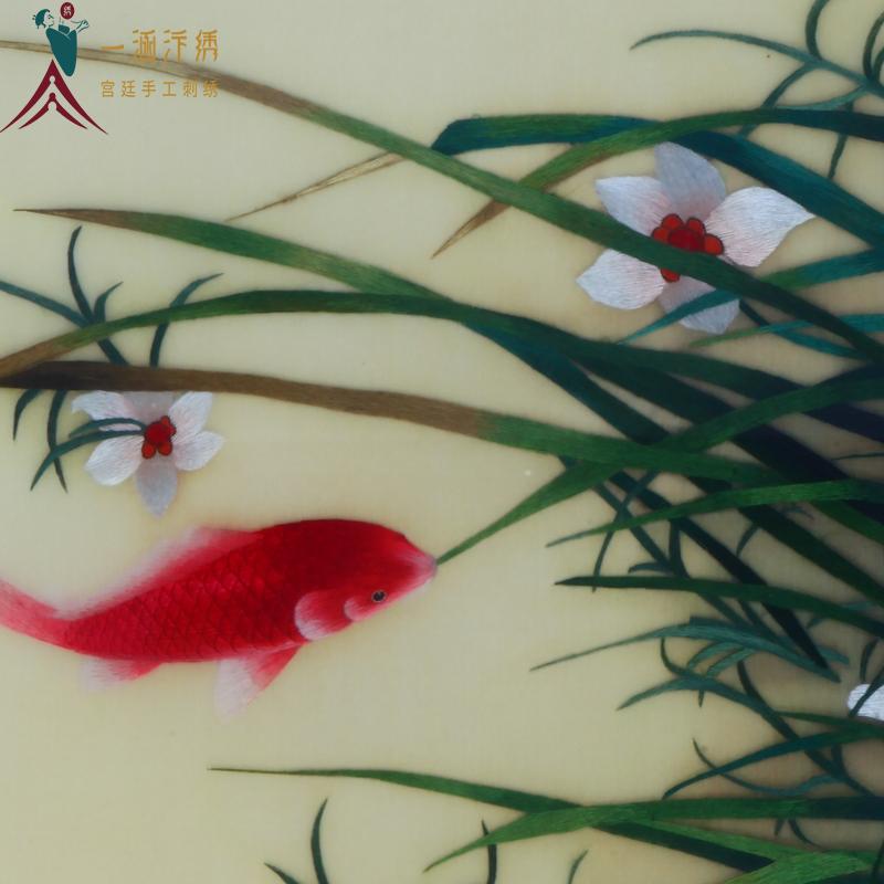 手工刺绣花卉细节