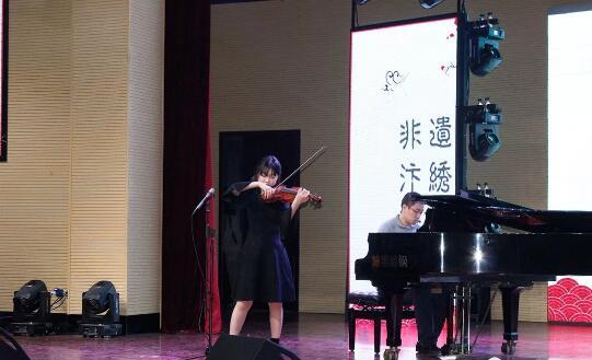 小提琴和钢琴表演的《梁祝》