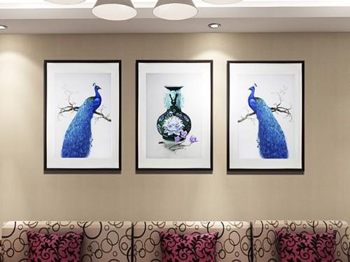 客厅装饰画 刺绣孔雀三联屏
