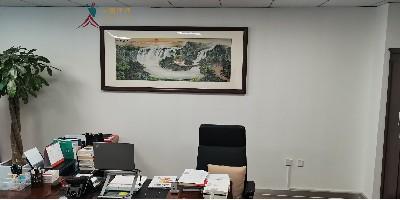 老板办公室挂什么画?刺绣山水大气上档次