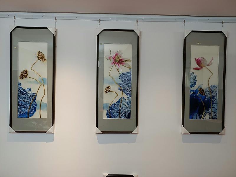 蓝色荷花三联屏,沙发背景墙装饰画