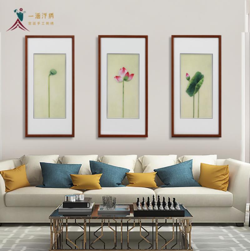 客厅墙挂画 手工刺绣荷花三联画