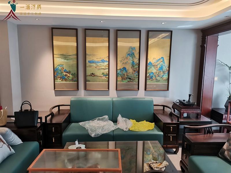客厅装饰挂画:刺绣千里江山图