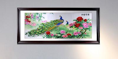 手工刺绣客厅装饰画《孔雀牡丹图》,富贵呈祥,金玉满堂