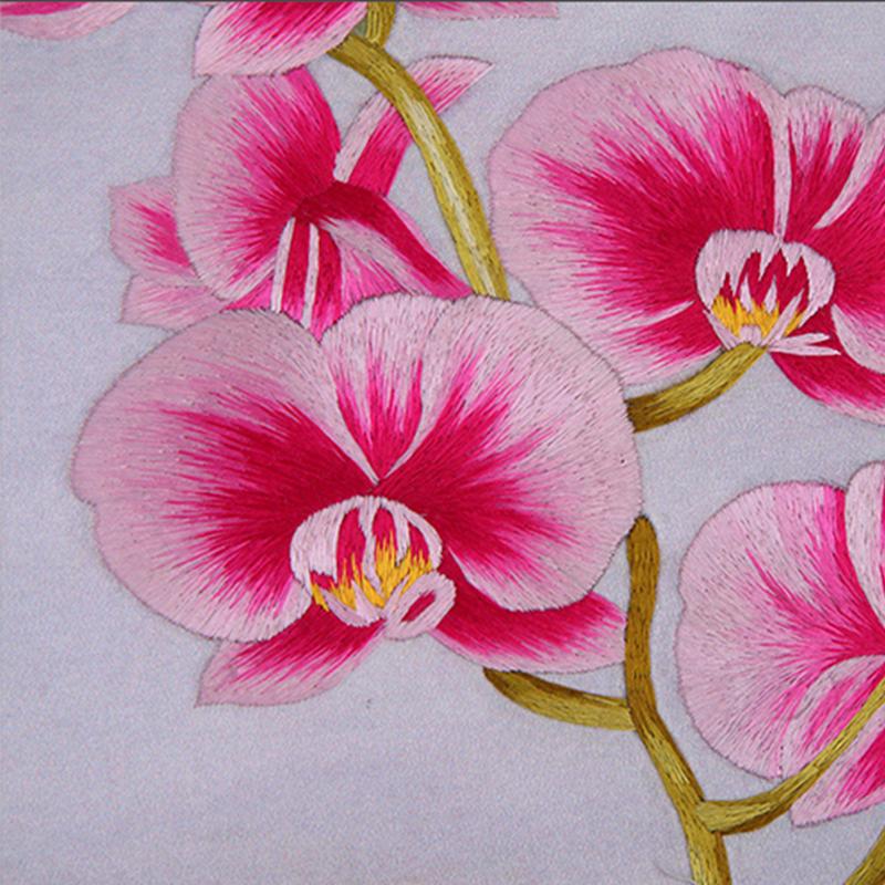 刺绣蝴蝶兰细节图