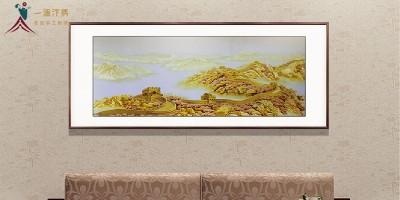 刺绣长城画适合挂在客厅吗?
