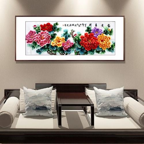 为什么很多人选择刺绣牡丹画作为客厅装饰画?