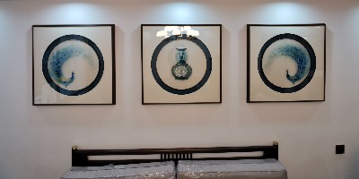 客厅装饰画:刺绣孔雀三联屏 平安幸福